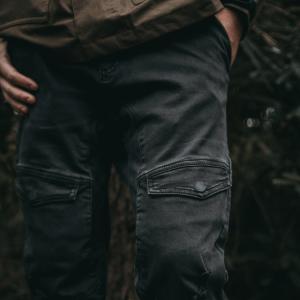 Spodnie i jeansy męskie